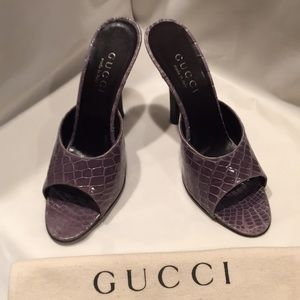 Gucci open toe slides